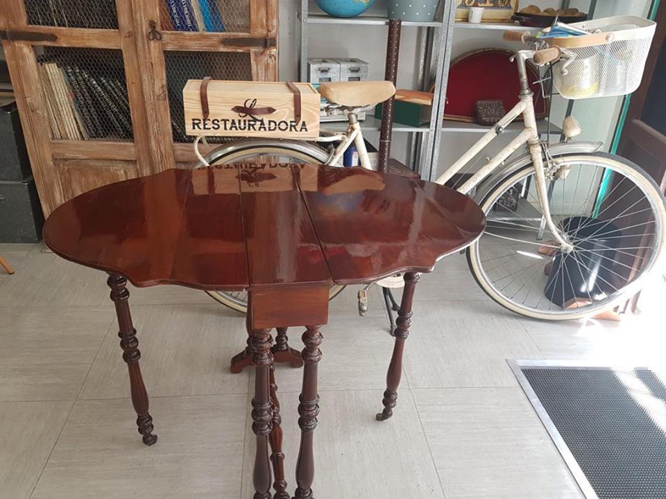 Mesa inglesa de alas La Restauradora
