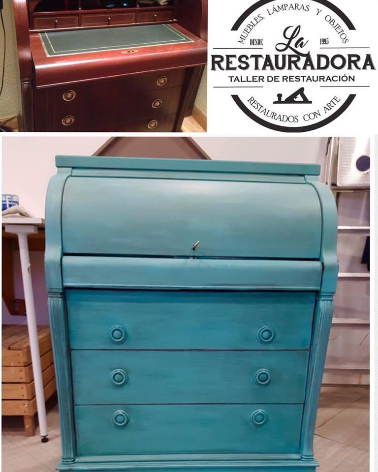 Bureau pintado en azul turquesa La Restauradora